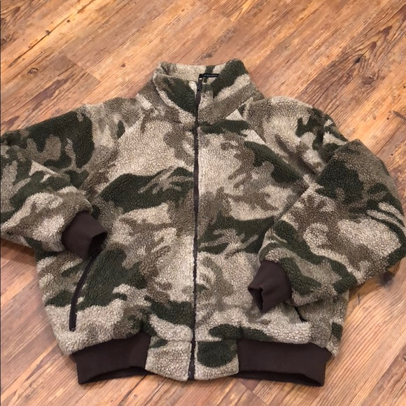 7aac3a516f887 Cabelas Jackets & Coats | Camo Wind Stopper Jacket Size Xl | Poshmark